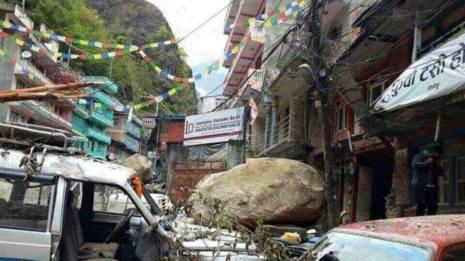 pray-nepal1